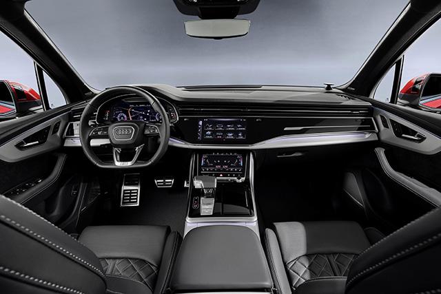 Cockpit of Q7 Facelift