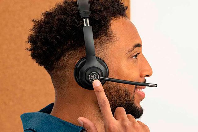 Wireless On-ear Headphone