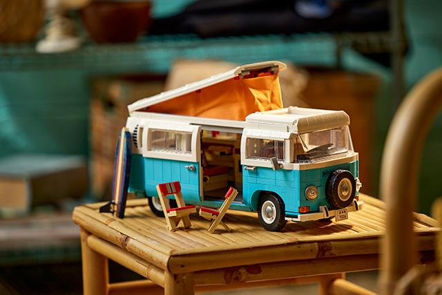 New LEGO Volkswagen T2 Camper Van